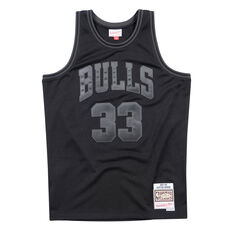 Chicago Bulls Scottie Pippen 97/98 Mens Swingman Jersey Black S, Black, rebel_hi-res