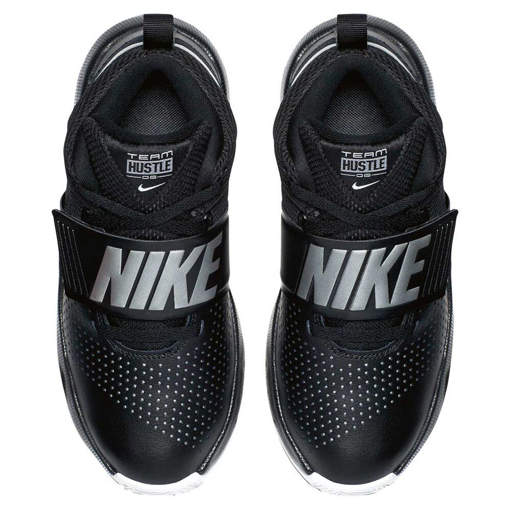 the best attitude 89675 8881c Nike Team Hustle D 8 Boys Basketball Shoes Black   Silver US 5, Black
