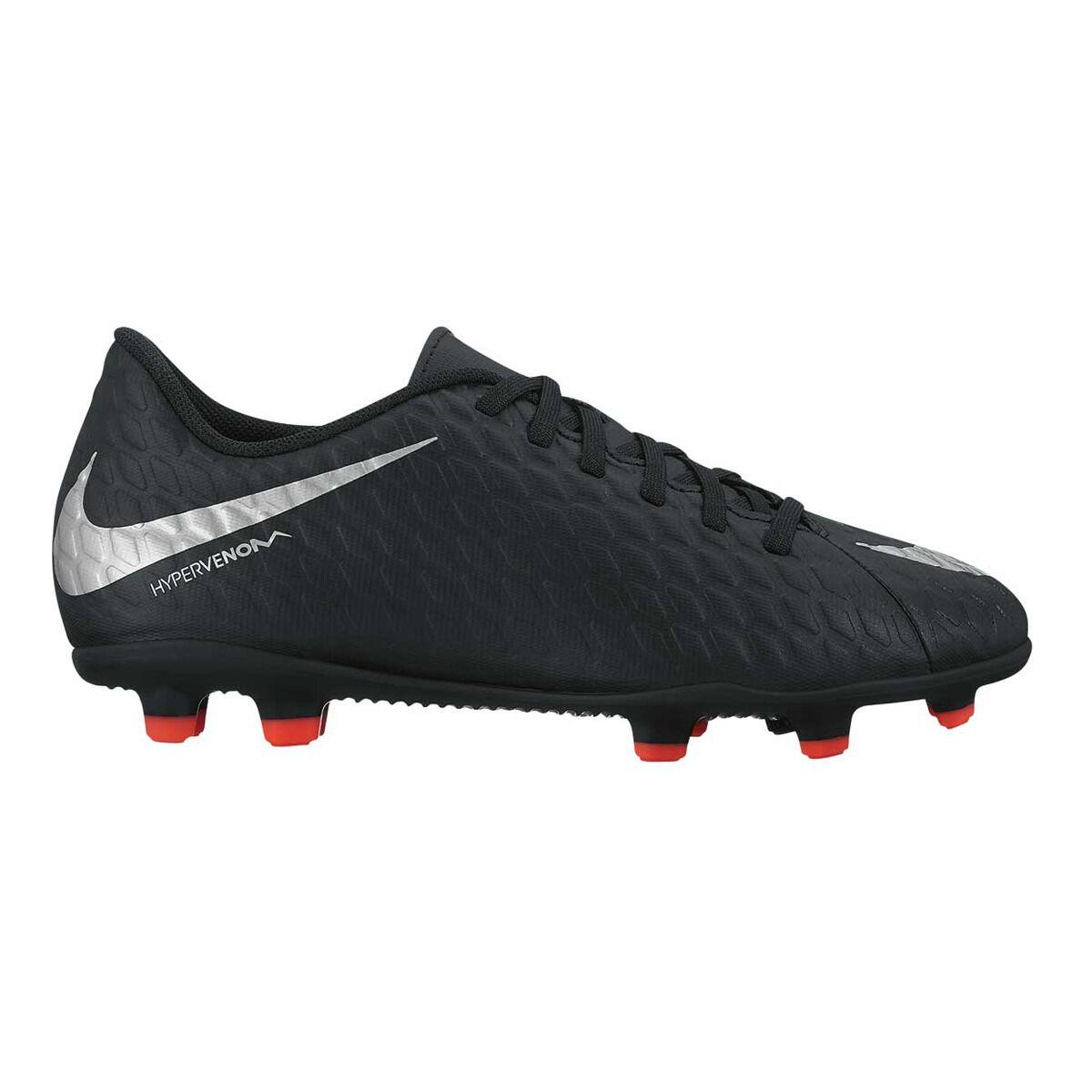 da244783ea0 ... switzerland nike hypervenom phade iii junior boys football boots black  silver us 4 junior black edd51