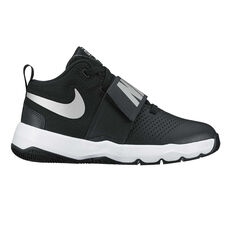 Nike Team Hustle D 8 Boys Basketball Shoes Black / Silver US 4, Black / Silver, rebel_hi-res