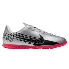 Nike Mercurial Vapor XIII Club Neymar Jr Kids Indoor Soccer Shoes Chrome / Black US 1, Chrome / Black, rebel_hi-res