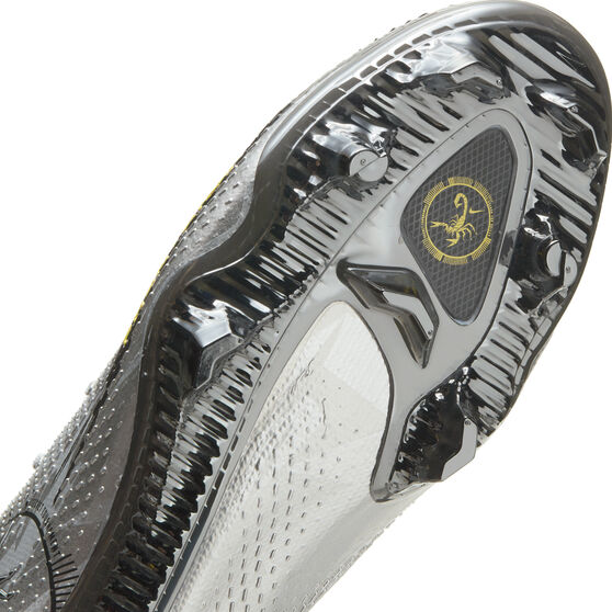 Nike Phantom GT Scorpion Elite Football Boots, Silver, rebel_hi-res