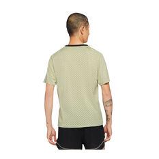 Nike Mens Dri-FIT ADV Run Division Techknit Tee Beige S, Beige, rebel_hi-res