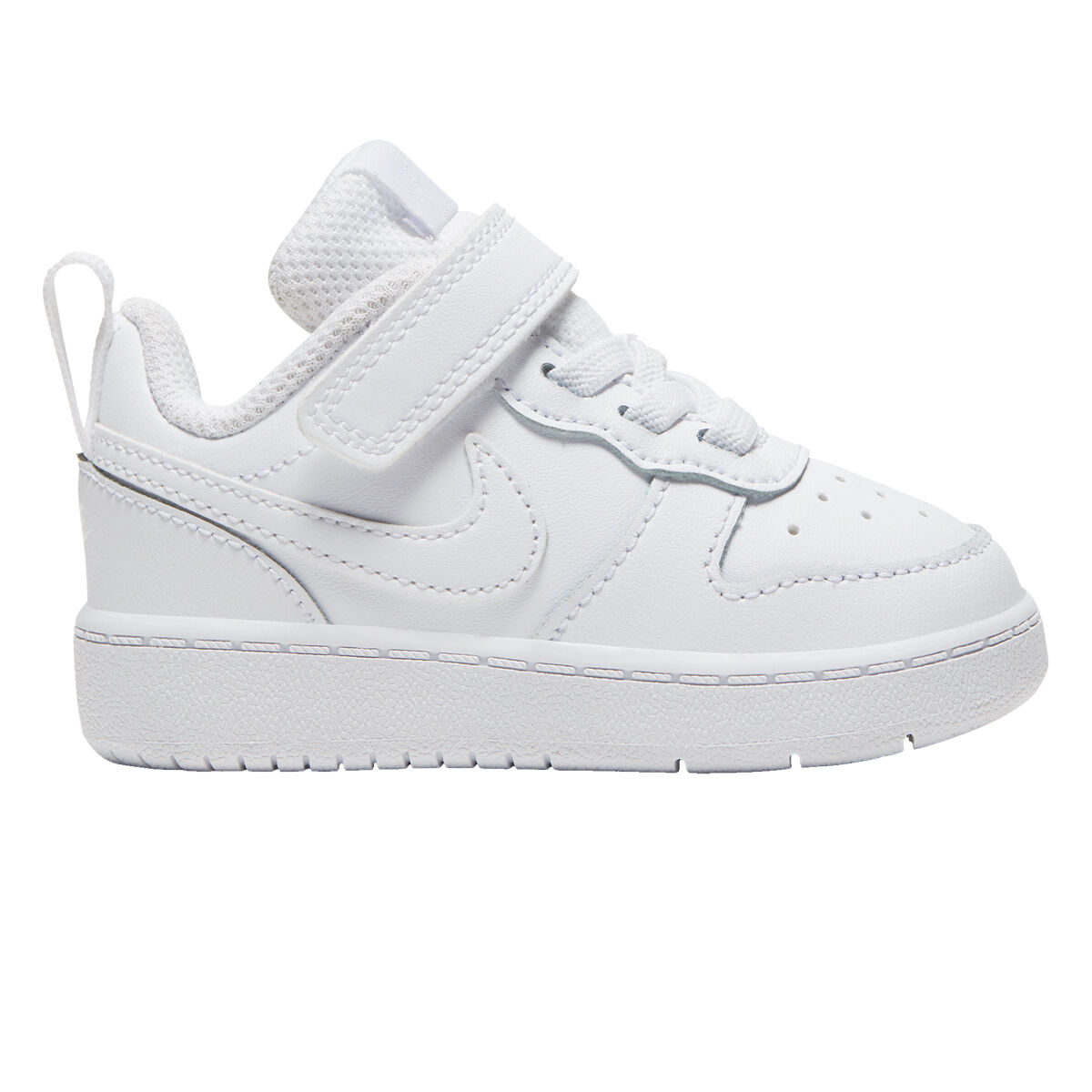 Sport shoes for kids made in leather by Nike Court Borough