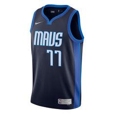 Nike Dallas Mavericks Luka Doncic 2020/21 Mens Earned Jersey Navy S, Navy, rebel_hi-res