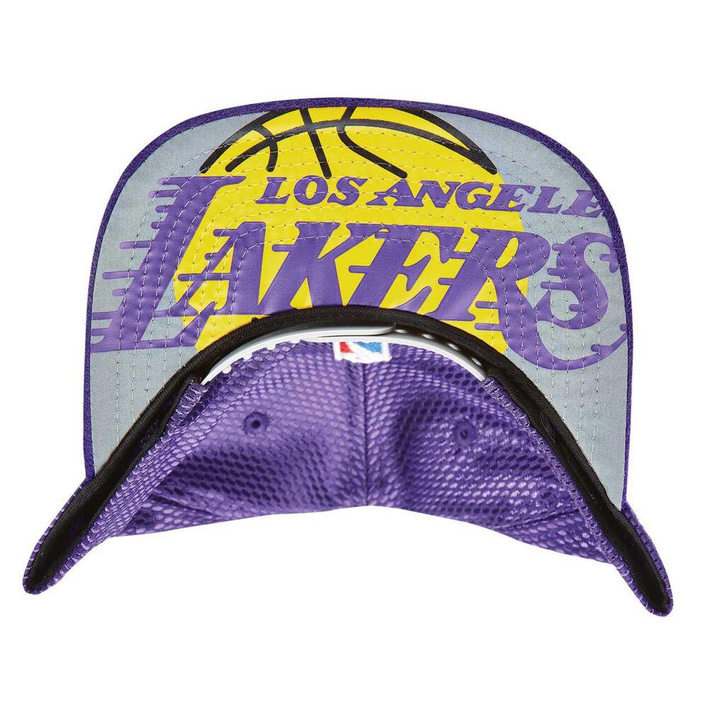 ace46586cad36 New Era Los Angeles Lakers 9FIFTY On Court Snapback Cap OSFA