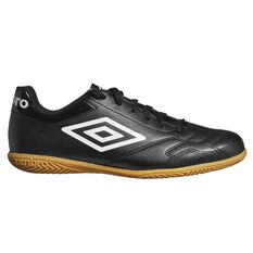 Umbro Classico VI IC Mens Football Boots Black / White US 7 Adult, Black / White, rebel_hi-res