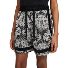 Nike Womens Fly Crossover Printed Basketball Shorts Black XS, Black, rebel_hi-res