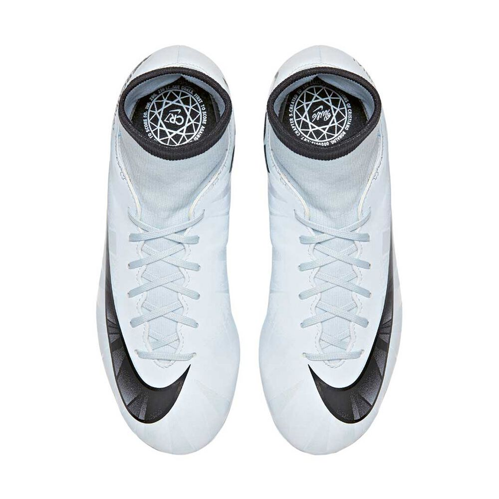 Nike Mercurial Victory VI CR7 DF Junior Football Boots Black   White US 5  Junior be5463a1a1057