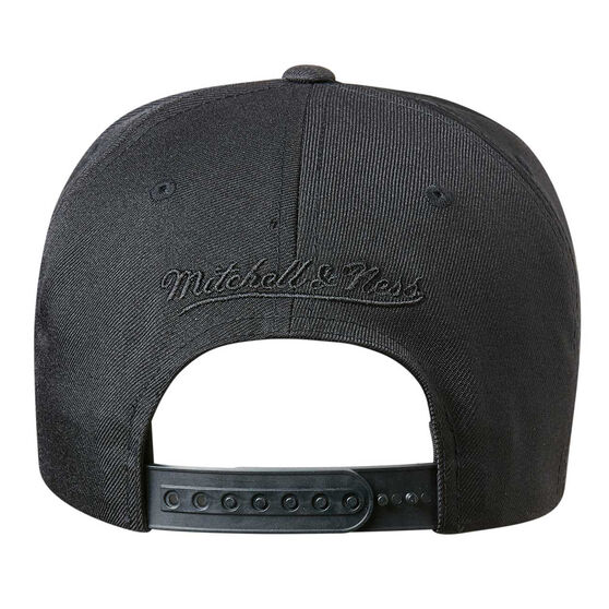 Chicago Bulls Black On Black 110 Pinch Cap, , rebel_hi-res