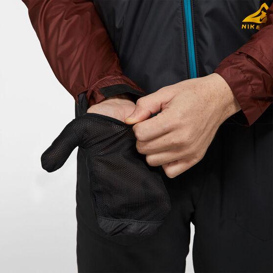 Nike Mens Shield Fabric Trail Running Windrunner Black S, Black, rebel_hi-res