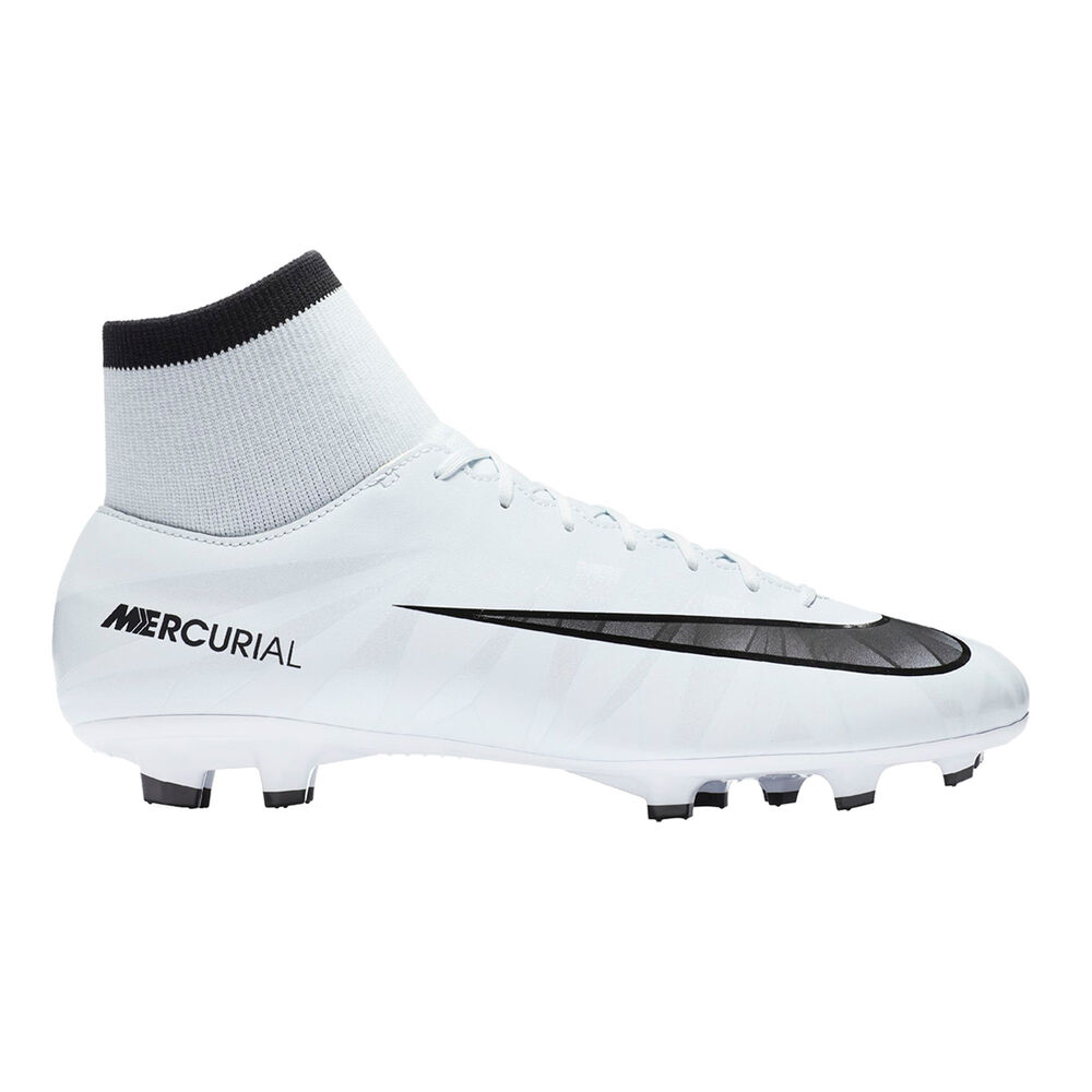 4471fb800cf8 Nike Mercurial Victory VI CR7 DF Mens Football Boots Black   White US 8.5  Adult