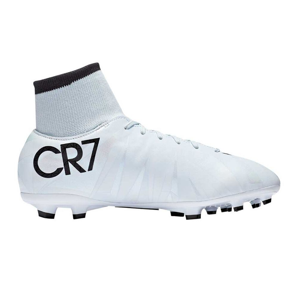 c72913c00e52 Nike Mercurial Victory VI CR7 DF Junior Football Boots Black   White US 5  Junior