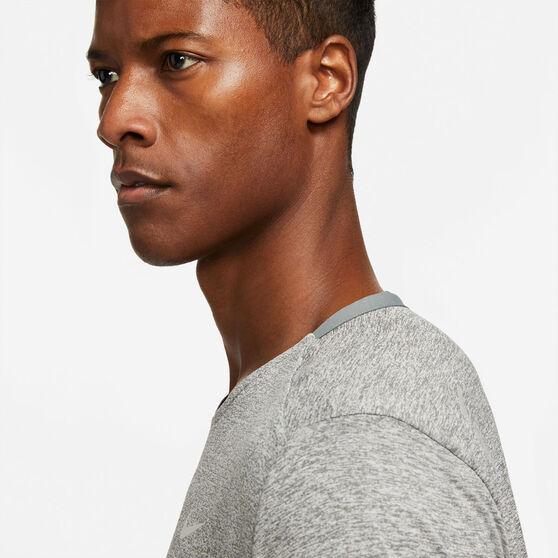 Nike Mens Dri-Fit Rise 365 Tee, Grey, rebel_hi-res