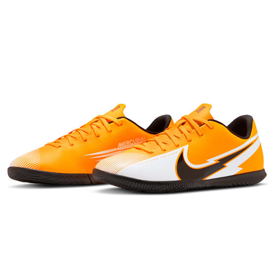 Nike Mercurial Vapor XIII Club Kids Indoor Soccer Shoes Orange/Black US 3, Orange/Black, rebel_hi-res