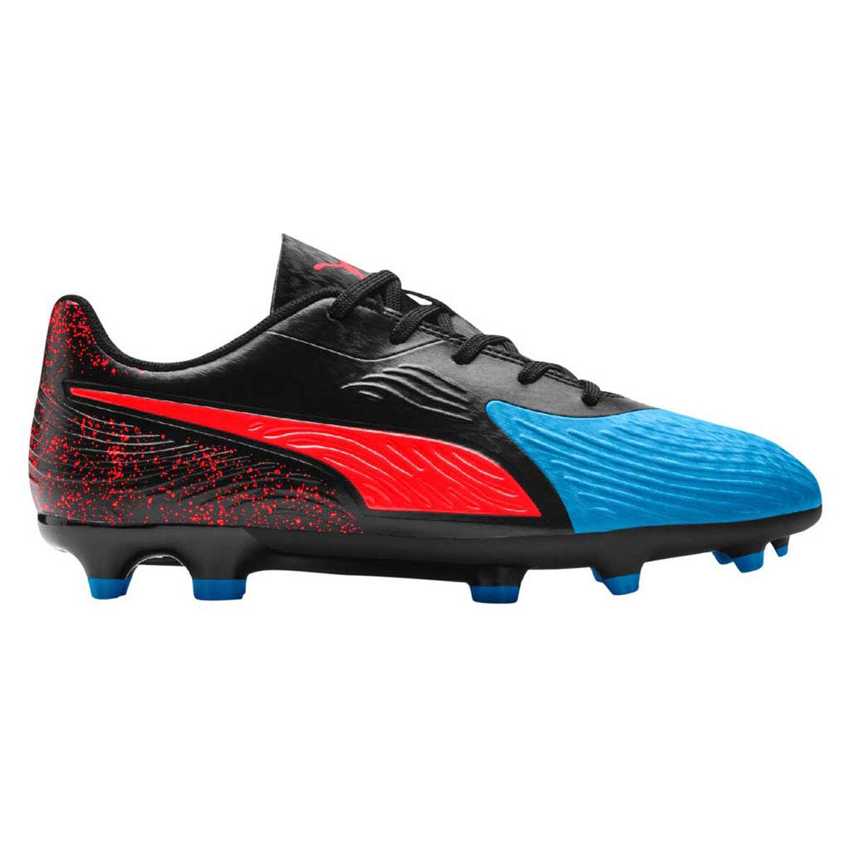 kids football boots puma